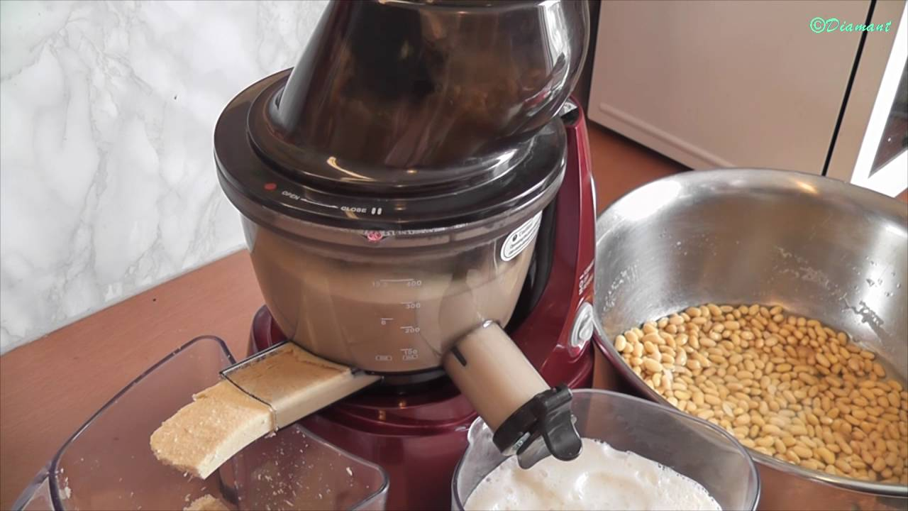 làm sữa đậu nành bằng máy ép chậm