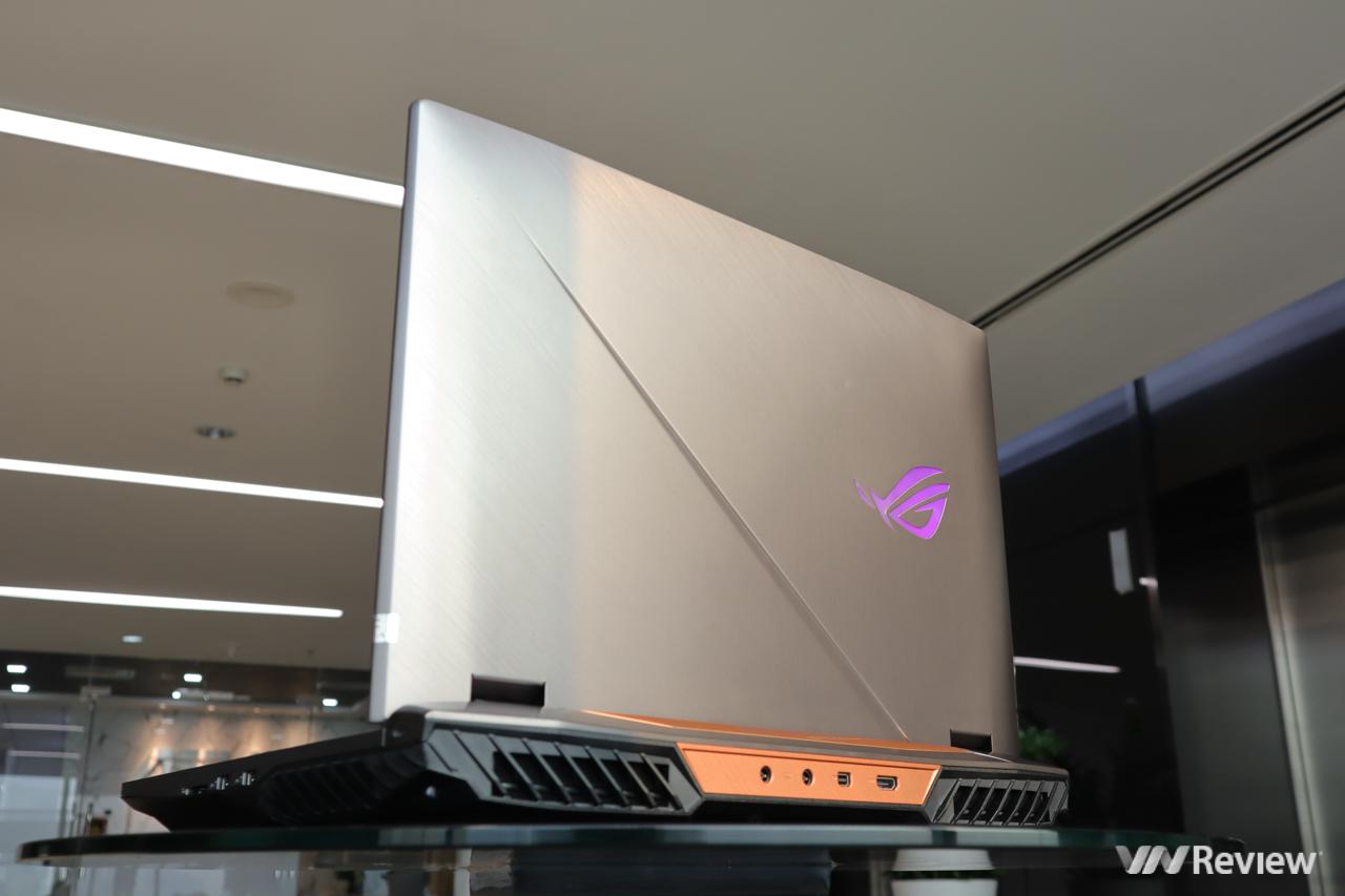 """Trên tay Asus ROG G703GX: """"desktop"""" gaming di động """"chỉ"""" 120 triệu đồng"""