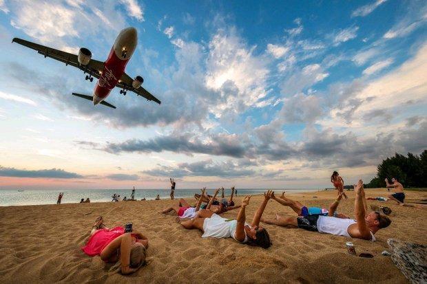 Chụp ảnh máy bay ở bãi biển Thái Lan có thể bị tử hình