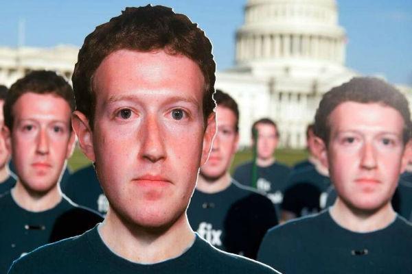 """Mark Zuckerberg """"thưởng"""" dữ liệu người dùng cho các nhà phát triển """"thân cận"""""""
