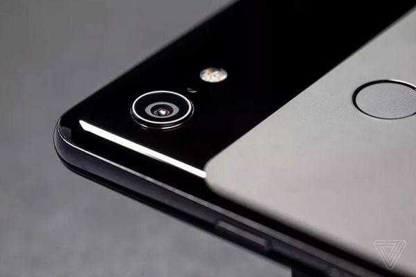 Google Pixel 3 ứng dụng AI để phát hiện biểu cảm khuôn của người dùng khi chụp ảnh