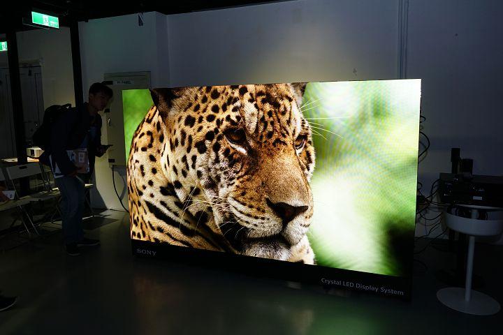 Choáng với màn hình Sony có giá hơn... 10 tỷ đồng, kích thước 110 inch