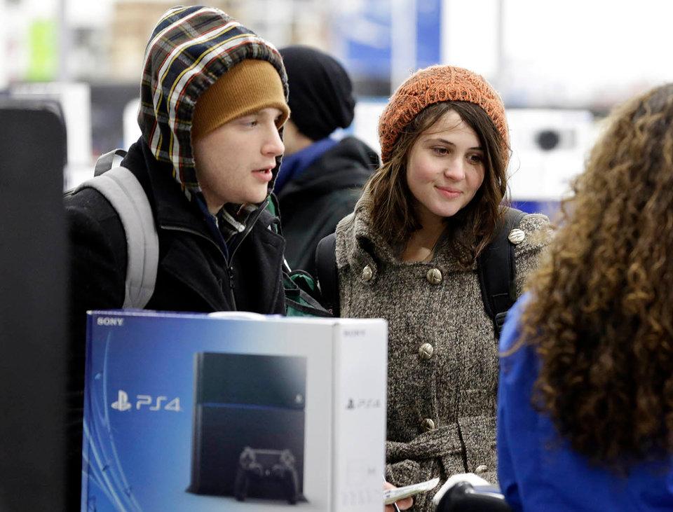 8 chi tiết quan trọng về chiếc máy chơi game console PlayStation 5 sắp tới của Sony