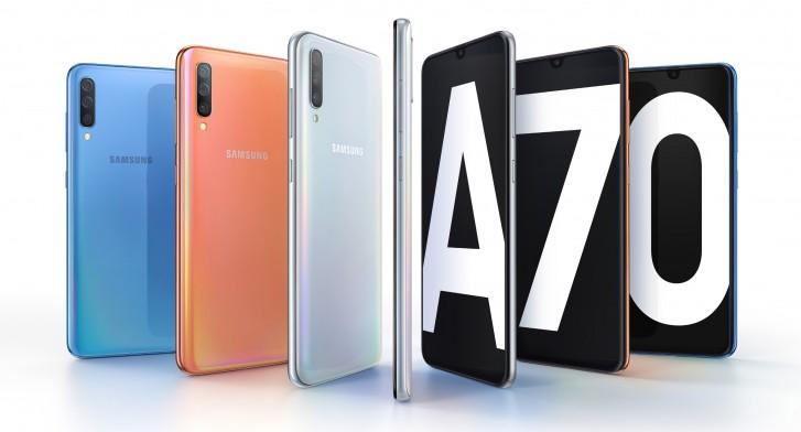 Samsung Galaxy A70 lên kệ ở Việt Nam: màn 6.7 inch, 3 camera sau, giá 9.29 triệu đồng