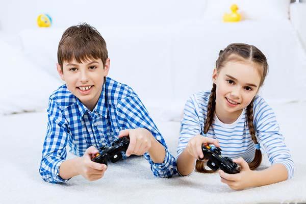 Nghiên cứu: con gái chơi game nhiều sẽ suy giảm kỹ năng xã hội, nhưng con trai thì không.