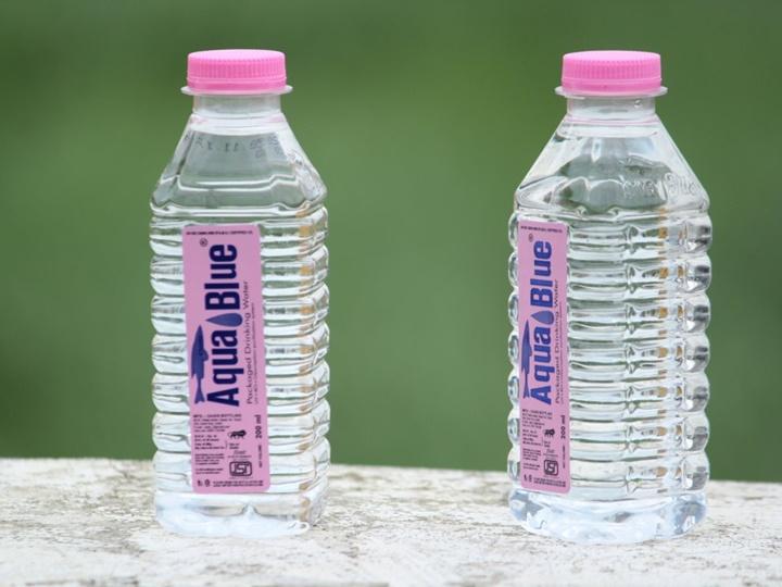12 sự thật cho thấy tại sao nước đóng chai là một trong những trò gian lận lớn nhất thế kỷ
