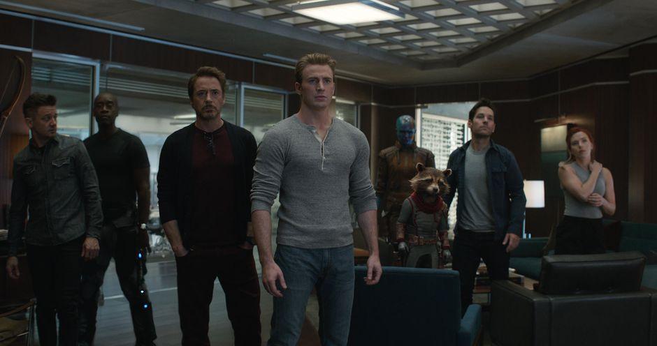 Avengers: Endgame thu về 1,2 tỷ USD doanh thu toàn cầu ngay tuần đầu khởi chiếu, xô đổ mọi kỷ lục