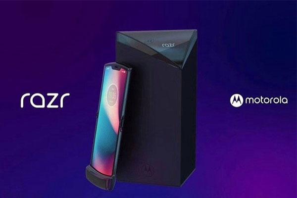 """Smartphone màn hình gập Motorola Razr lộ ảnh render cực """"chất"""""""