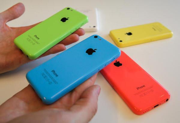 'Tuyệt chủng' trên thế giới, iPhone 5C và SE vẫn sống tốt tại VN