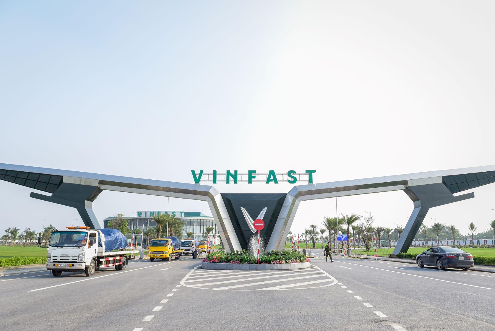 VinGroup nhảy vào lĩnh vực vận tải hành khách, cung cấp dịch vụ xe buýt điện