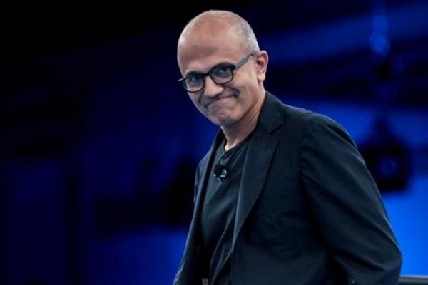 Giống CEO Apple, người đứng đầu Microsoft thấy giá trị vốn hóa nghìn tỉ USD không có gì đáng để ăn mừng