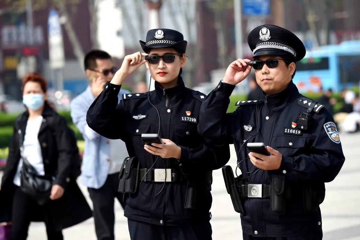 Trấn áp tội phạm bằng kính AR tích hợp AI, cảnh sát Trung Quốc ngày càng giống phim Hollywood