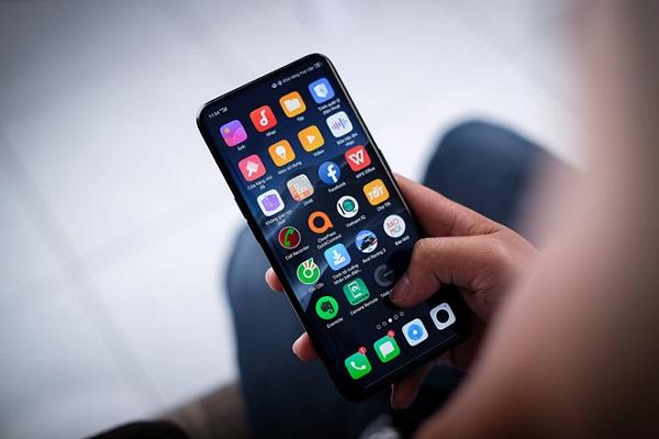 TP.HCM đề xuất áp thuế thu nhập đặc biệt smartphone - nhiều lo ngại