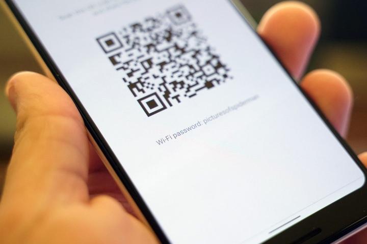 Android Q nay hiện rõ mật mã Wi-Fi kèm mã QR để người dùng tiện chia sẻ với bạn bè