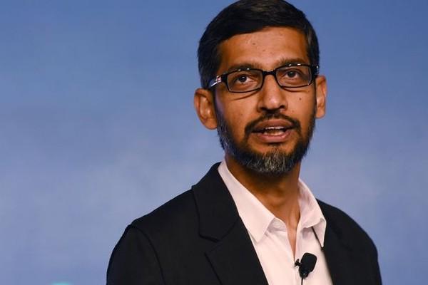 """CEO Google cáo buộc Apple bán dữ liệu người dùng như một """"món hàng xa xỉ"""""""