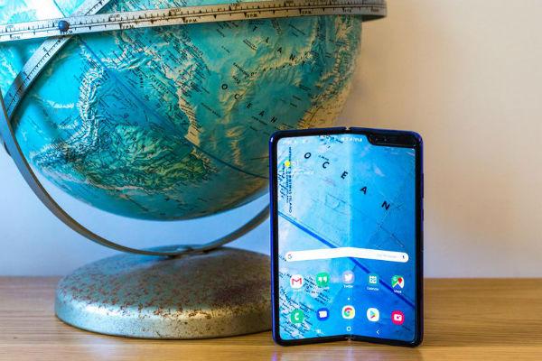 """Với Android Q, smartphone màn hình gập và camera """"thò thụt"""" sẽ còn tốt hơn nữa"""