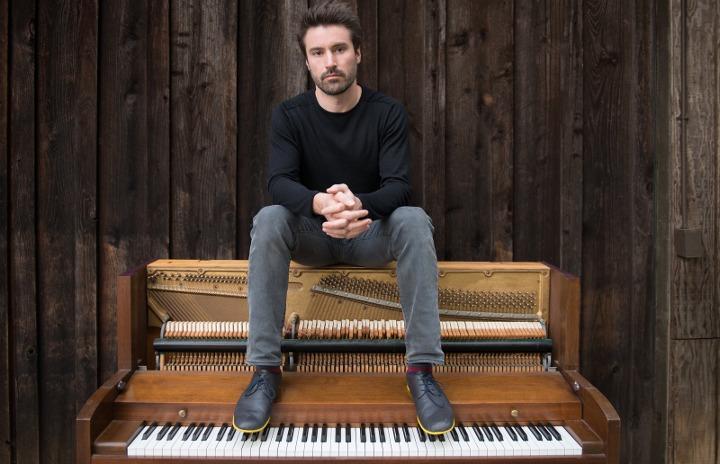 """Trí tuệ nhân tạo đã giúp một nhạc sĩ piano nổi tiếng thế giới tạo ra những """"bản đồng ca"""" người-máy"""