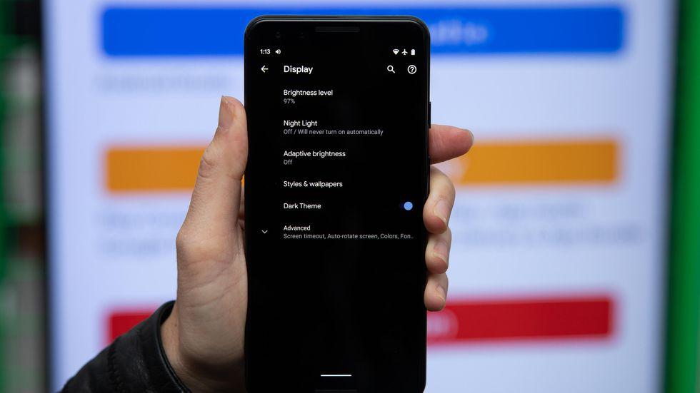 Tại sao Google lại tỏ ra rất quan tâm đến dark theme trong Android Q?