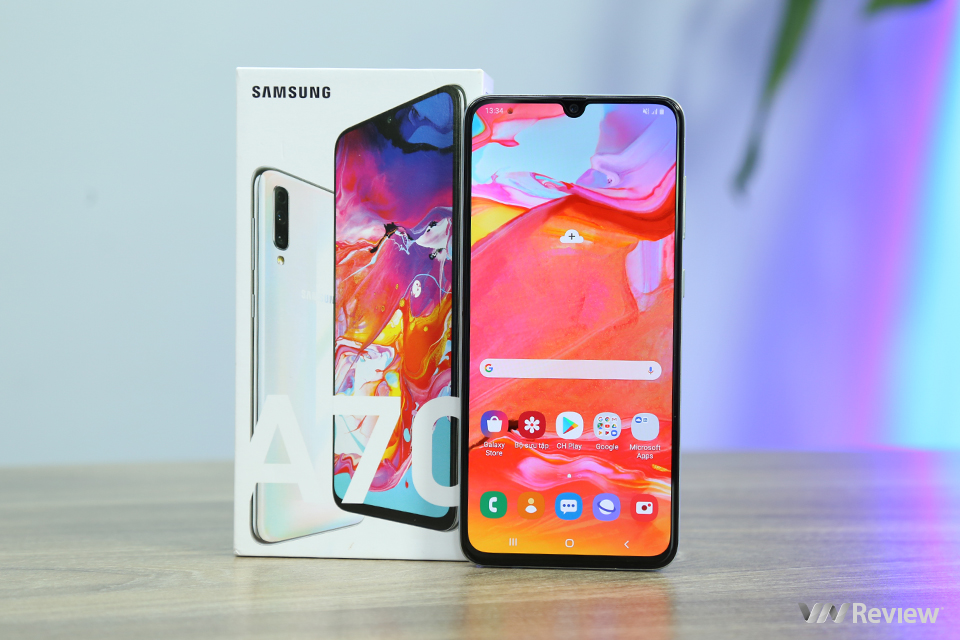 """Đánh giá Samsung Galaxy A70: dành cho những """"cư dân mạng thực thụ"""""""