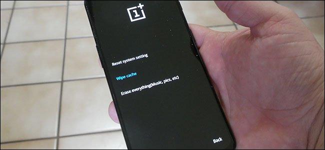 Bạn có thể xóa bộ nhớ đệm hệ thống trên điện thoại Android hay không?