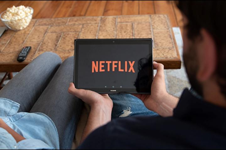 Tại sao Netflix chẳng thèm cấm người dùng chia sẻ tài khoản