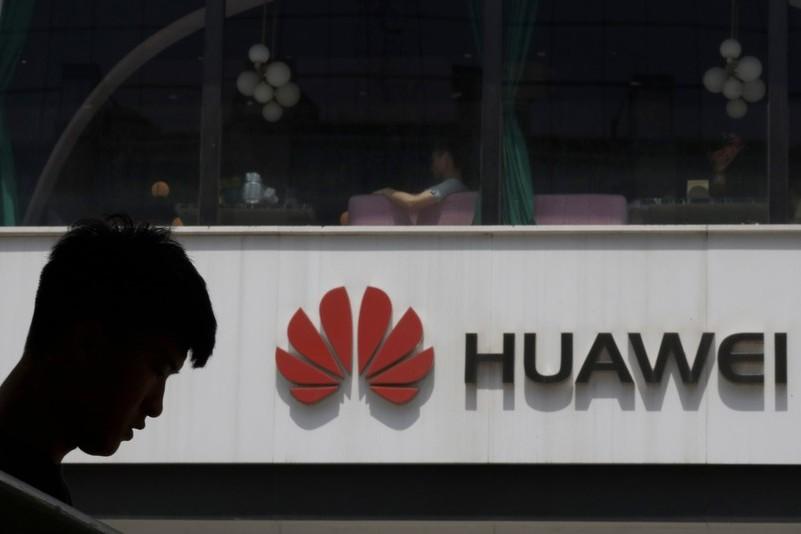 """Google tuyên bố """"tuân thủ sắc lệnh"""" khi ngừng hợp tác với Huawei"""