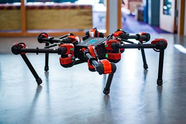 Facebook thử nghiệm robot nhằm thúc đẩy nghiên cứu AI