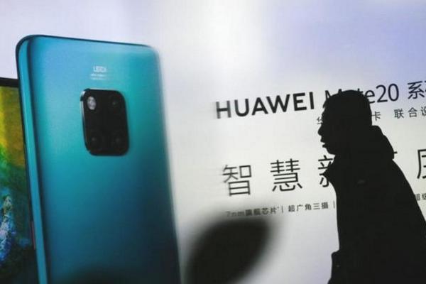 """Người tiêu dùng có còn """"mặn mà"""" với smartphone Huawei không khi Google dừng hỗ trợ dịch vụ?"""