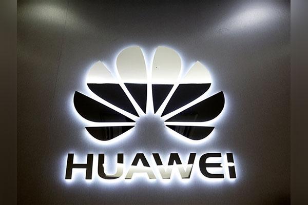 Nhân viên ngoại giao Trung Quốc đăng ảnh chế giễu Apple bằng... iPhone