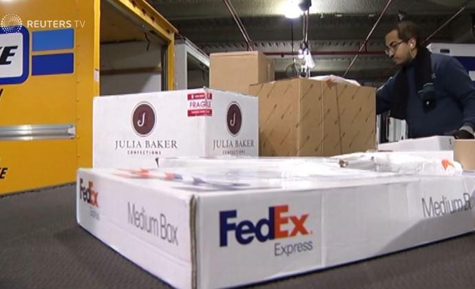 Huawei tố các bưu kiện của hãng bị chuyển hướng về Mỹ