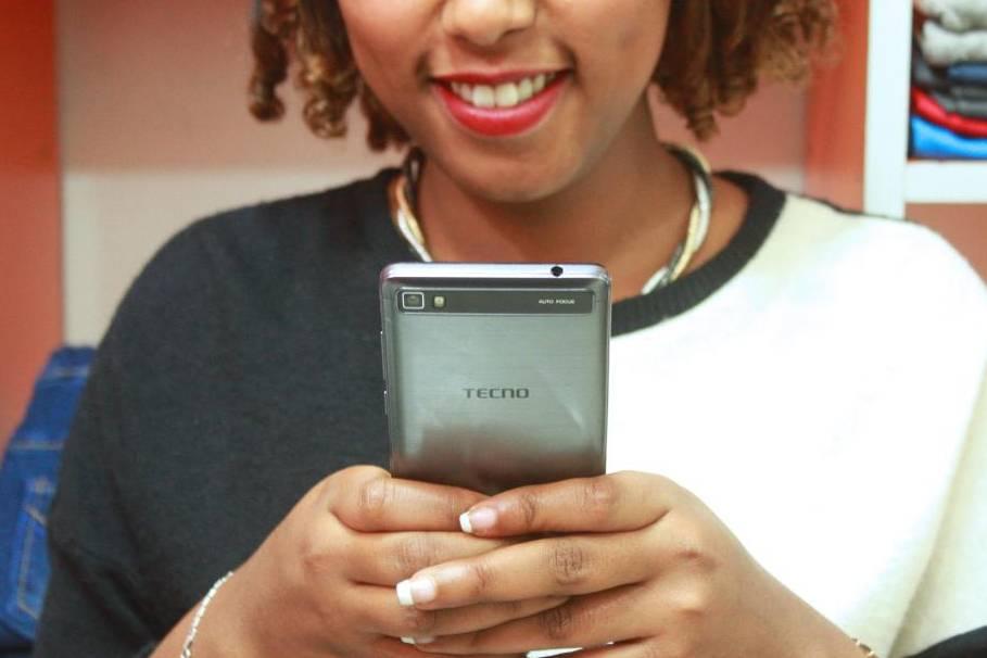Chuyện lạ về hãng điện thoại Trung Quốc 'vô danh' đánh bại Apple, Samsung để thống trị châu Phi