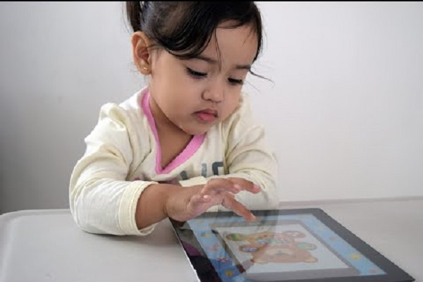 Apple sẽ giới hạn khả năng theo dõi của bên thứ ba trên các ứng dụng trẻ em