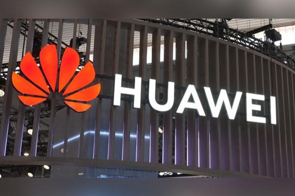 Foxconn ngừng một số dây chuyền sản xuất smartphone Huawei