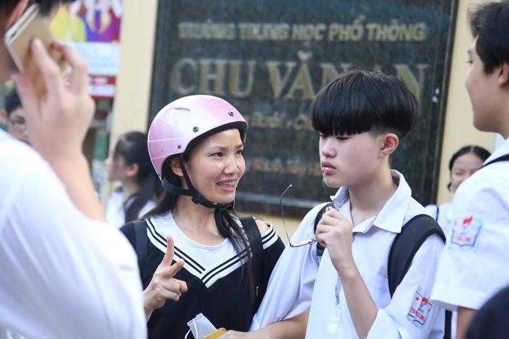 Đề Toán thi vào lớp 10 công lập ở Hà Nội dễ hay khó?