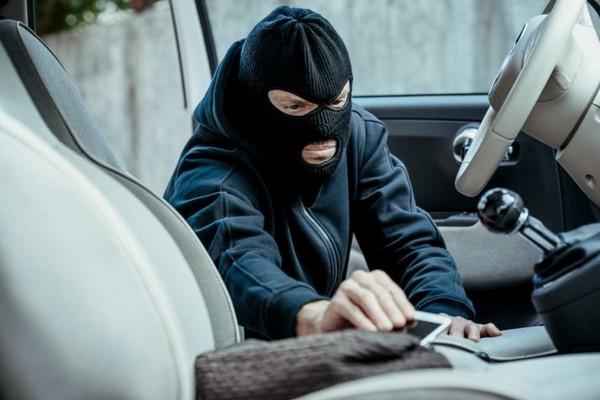 Apple đang phát triển hệ thống chống trộm mới cho iPhone, có thể báo động khi bị lấy trộm như Bphone 3