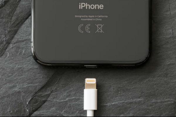 iOS 13 giúp iPhone tiết kiệm pin bằng cách chỉ cho sạc đến… 80%