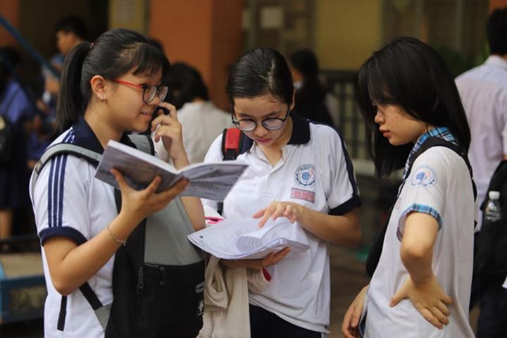 Thí sinh được hưởng 0,5 điểm do đề thi tiếng Anh vào lớp 10 tại HCM sai