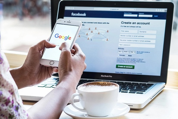 Làm thế nào Facebook tra được từ khóa tìm kiếm của bạn trên Google?