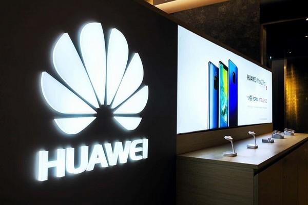 Trước sức ép chiến tranh thương mại, sếp Huawei rút mục tiêu lật đổ Samsung vào năm 2020