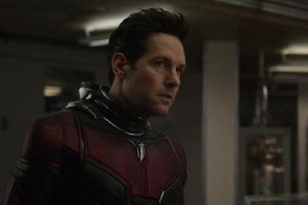 """Ra rạp xem Avengers: Endgame hơn 100 lần, đây đích thị là """"fan siêu cứng"""" của Marvel rồi!"""