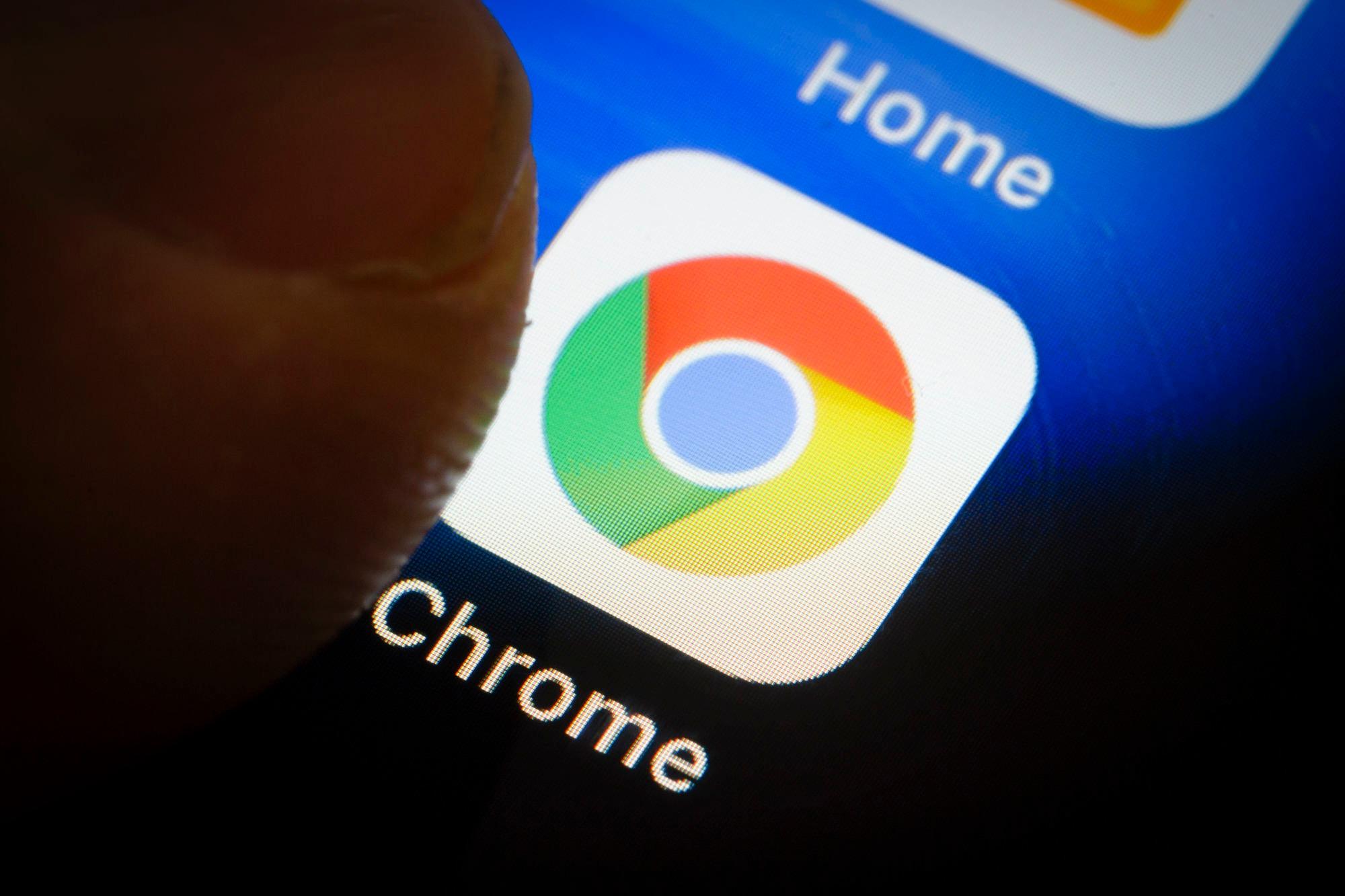 Chrome có thể hiển thị trang web ở chế độ tối nếu bạn muốn