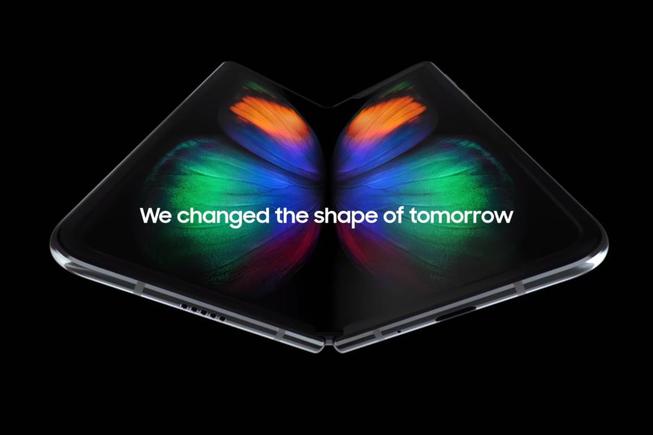 Samsung Galaxy Fold tiếp tục bị hoãn bán ra