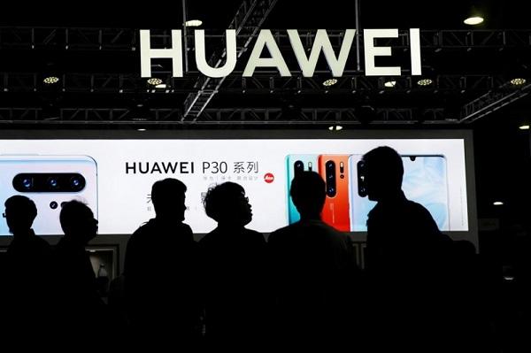 Facebook gỡ hàng loạt quảng cáo chỉ trích Mỹ của Huawei