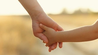 Tòa Úc phán quyết người hiến tinh trùng là cha hợp pháp của đứa trẻ được sinh ra