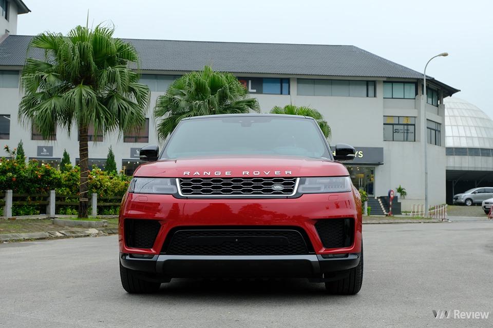 Cận cảnh Range Rover Sport HSE 2019 giá 6,8 tỷ đồng tại Việt Nam