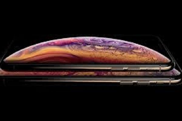 Bù lỗ bán iPhone, Apple dự định trang bị màn hình OLED cho laptop và máy tính bảng