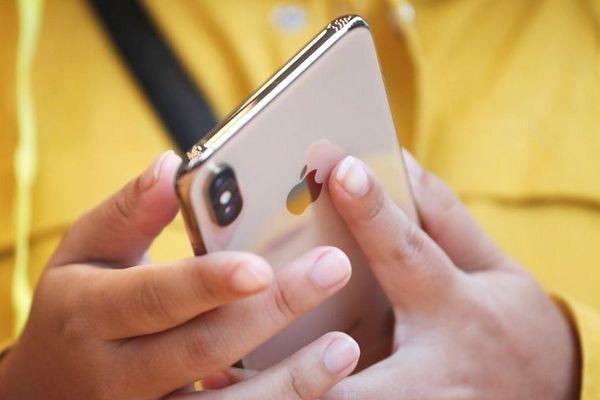 Apple cảnh báo ông Trump: Thuế quan sẽ làm tăng giá iPhone và làm giảm thuế nộp cho nước Mỹ