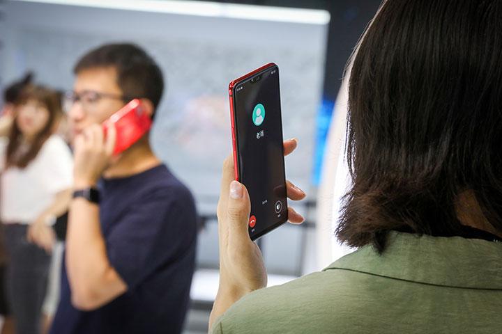 Oppo hé lộ công nghệ MeshTalk: gọi điện, nhắn tin trong phạm vi 3km không cần sóng di động hay Wi-Fi