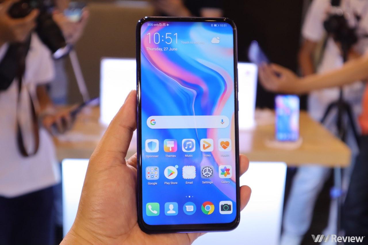 Giữa tâm bão, Huawei vẫn ra mắt Y9 Prime 2019 tại VN chạy Android, sử dụng Google, Facebook, Messenger bình thường, camera thò thụt, giá 6,5 triệu đồng