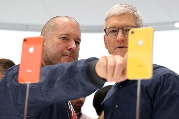 12 thiết kế biểu tượng của Jony Ive trong 27 năm làm việc tại Apple